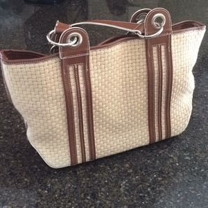 Maxx Purse with wristlet